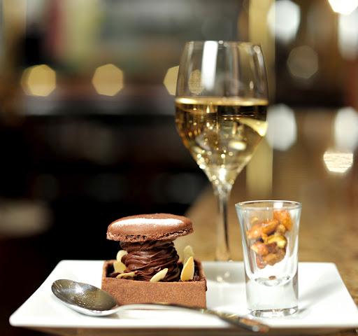 Chariot de desserts (c) Jean Riz