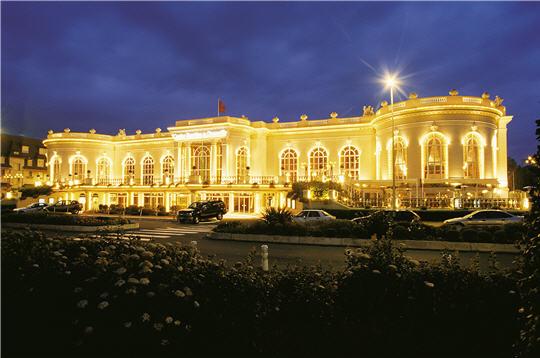 (c) Deauville