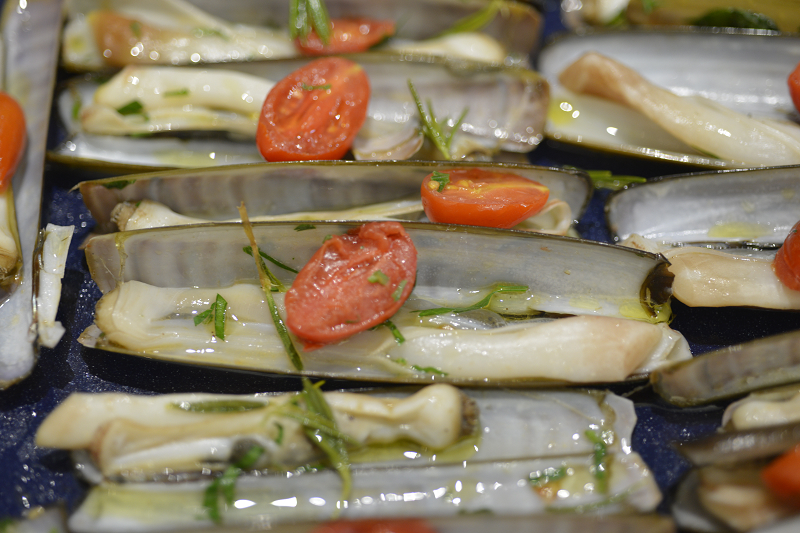 La recette du jeudi : Couteaux de mer poêlés à l'huile d'olive biologique par le chef Giuseppe Messina