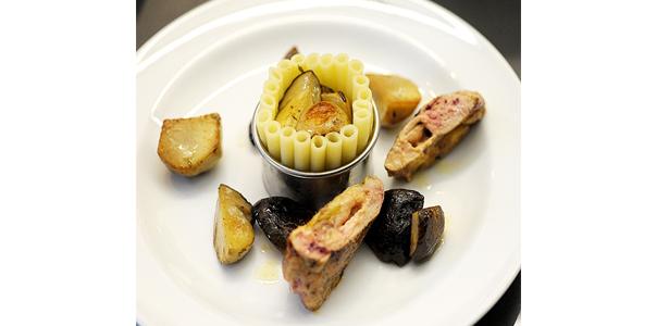 La recette du jeudi: La poule faisane farcie de foie gras, timbale de macaronis et cèpes au jus ambré et crémé au champagne.